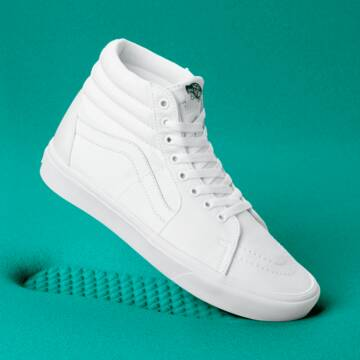 COMFYCUSH SK8 HI TRUE WHITE